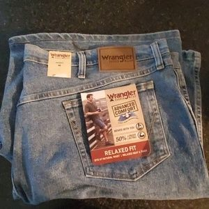 Wrangler Rugged Wear Relaxed Fit Shorts